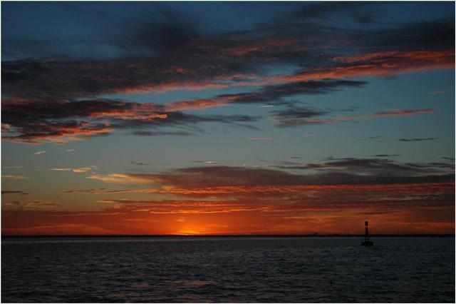 blog-dsc_0679-lever-de-soleil-bouee-port-arcachon.jpg?w=640