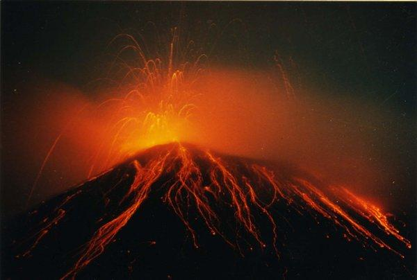 volcano_arenal_by_fortuna1.jpg